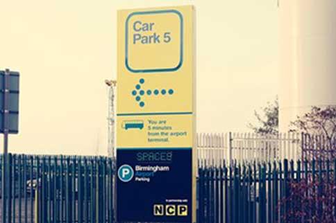 Birmingham-Airport-Car-Park-5-Sign