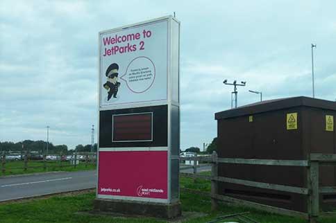 East-Midlands-Airport-Jetparks-2-Entrance
