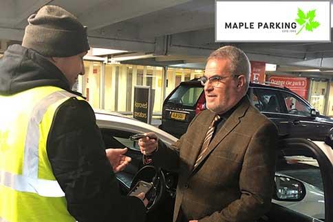 Edinburgh-Airport-Maple-Parking-Meet-and-Greet-Handover