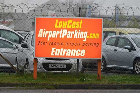Edinburgh-Airport-Low-Cost-Park-and-Ride-Signage