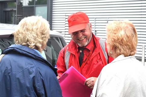 Gatwick-Tudor-Rose-Meet-and-Greet-Driver