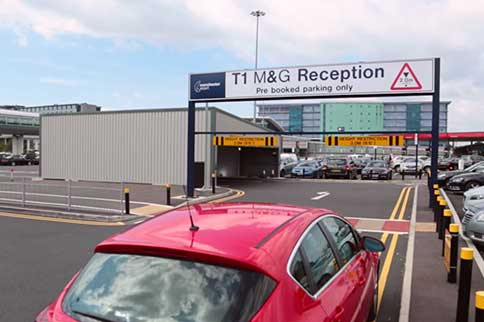Manchester-Airport-Meet-and-Greet-T1-Entrance