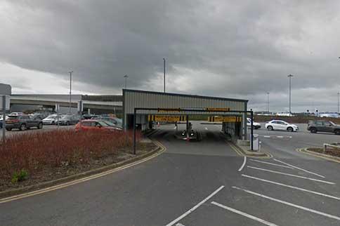 Manchester-Airport-Meet-and-Greet-T2-Barrier