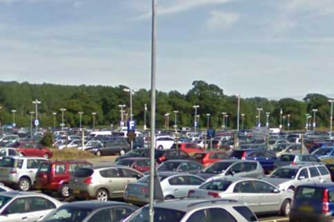 bournemouth-airport-car-park-2-cars