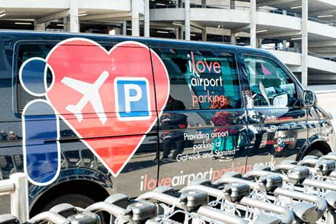 Gatwick-Airport-I-Love-Park-and-Deliver-Transfer