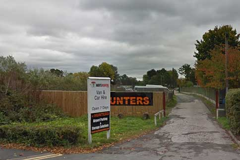 Manchester-Airport-Hunters-Park-and-Ride-Signage