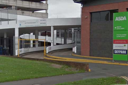 Manchester-Airport-Skypark-Indoor-Park-and-Ride-Signage