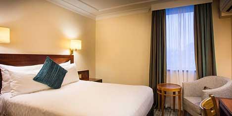 LHR Thistle Hotel Room