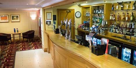 MAN Britannia Airport Inn Bar