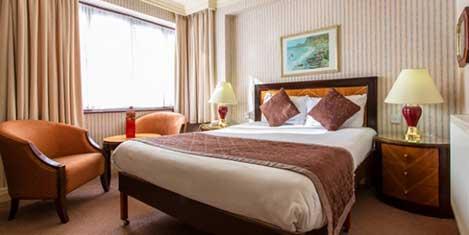 MAN Britannia Country House Hotel Room