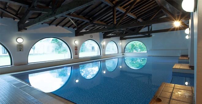 Gatwick Europa Hotel pool