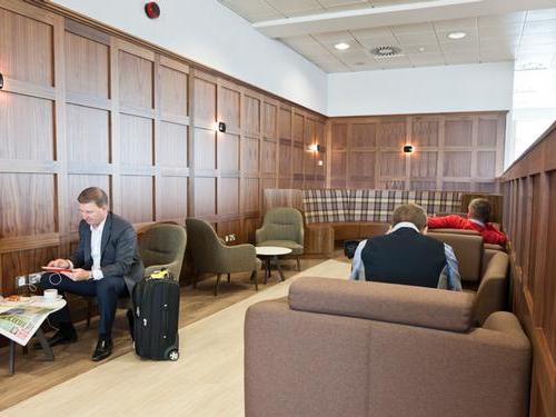 UpperDeck at Glasgow Airport sofas