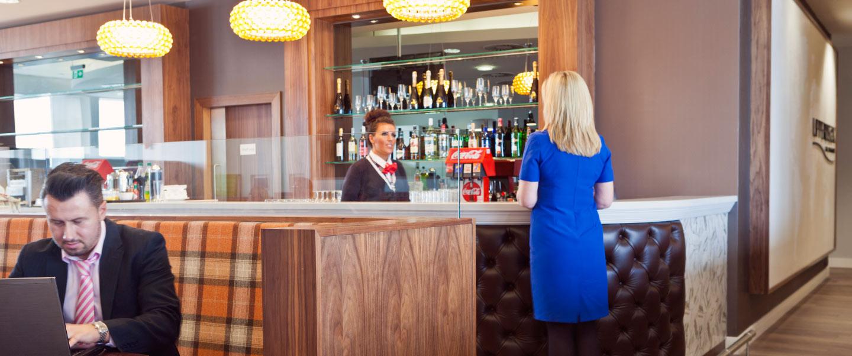 UpperDeck at Glasgow Airport bar