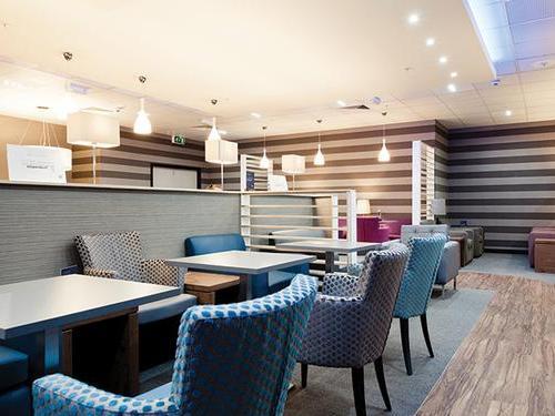 Aspire Lounge Liverpool bar