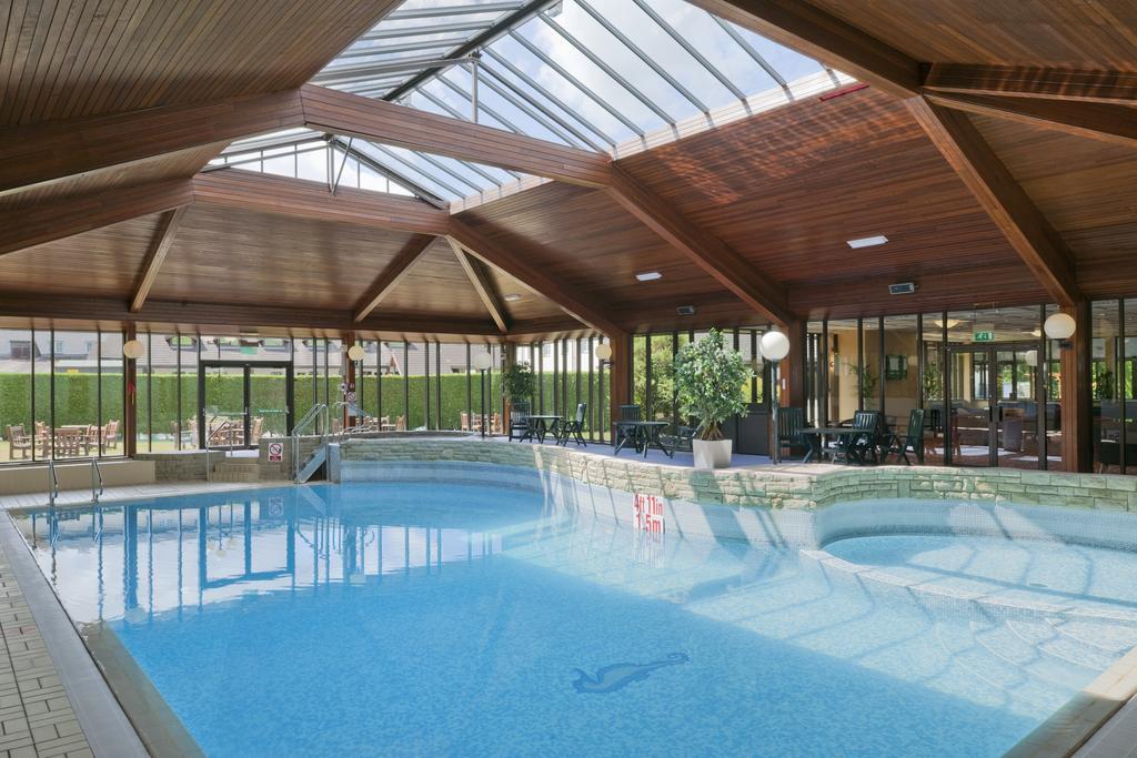 Manchester Britannia Airport Inn Hotel pool